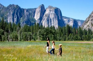 Yosemite Family Portrait Photographers.jpg