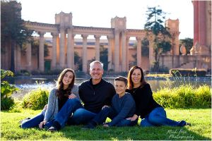 Palace of Fine Arts Family Portraits Photos.jpg